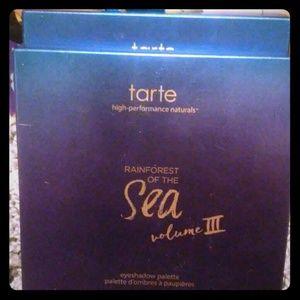 Tarte pallet sea forest volume 2